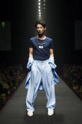 <p>アジアファッションコレクション<br>ファッション高度専門士科4年<br>松平 健幸/半澤 慶樹</p>